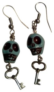 New never worn skull with key hook style earrings