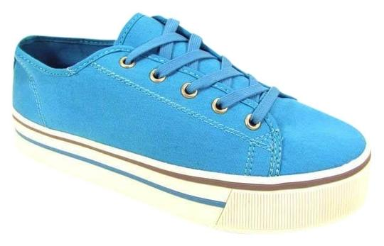 Preload https://item5.tradesy.com/images/report-signature-turquiose-nwt-shipping-included-free-women-s-blue-kaylin-canvas-flats-sneakers-size-400079-0-0.jpg?width=440&height=440