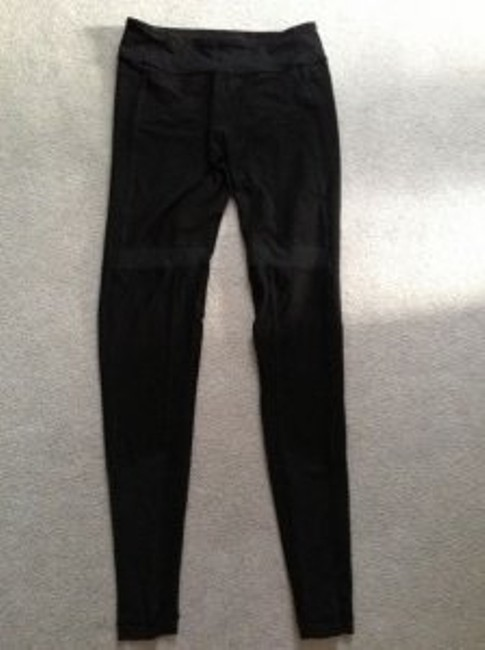 Preload https://item4.tradesy.com/images/lululemon-black-wunderunder-style-ankle-pant-activewear-size-6-s-28-40008-0-0.jpg?width=400&height=650