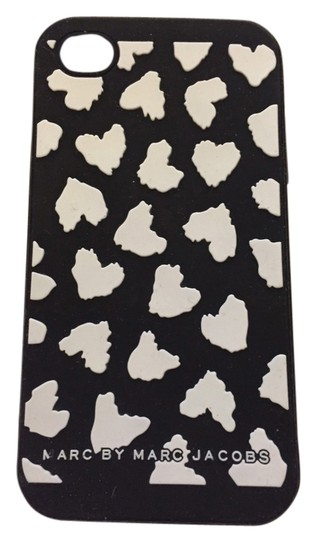 Preload https://item2.tradesy.com/images/marc-jacobs-black-with-white-hearts-iphone-4-case-tech-accessory-4001071-0-0.jpg?width=440&height=440