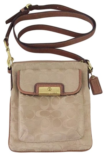 Preload https://item5.tradesy.com/images/coach-cross-body-bag-khaki-4006639-0-0.jpg?width=440&height=440