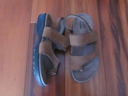Dexter Medium Brown Sandals