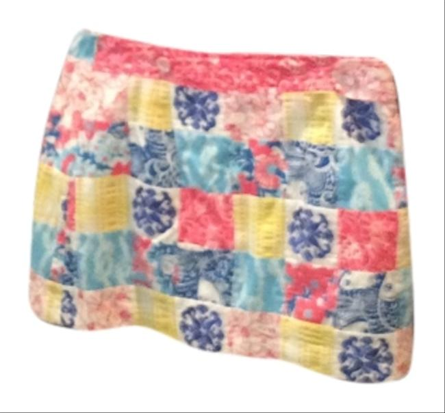 Preload https://item1.tradesy.com/images/lilly-pulitzer-coral-yellow-blue-miniskirt-size-10-m-31-4007530-0-0.jpg?width=400&height=650