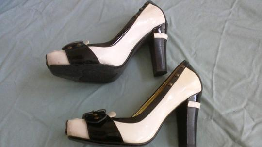 Naughty Monkey black and off white Pumps