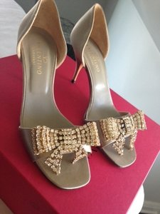 Valentino Gold Sparkle Bow Bridal 37.5 Formal Size US 7.5