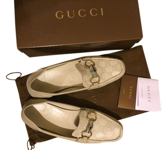 Preload https://item1.tradesy.com/images/gucci-cream-loafers-formal-shoes-size-us-11-regular-m-b-4010860-0-0.jpg?width=440&height=440
