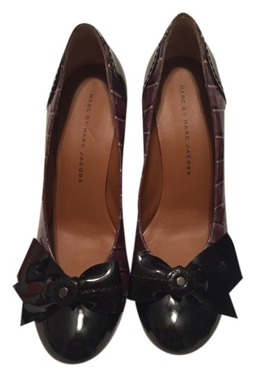Preload https://item2.tradesy.com/images/marc-by-marc-jacobs-green-n-black-jelly-croc-grigio-vernice-pumps-size-us-75-4012441-0-0.jpg?width=440&height=440