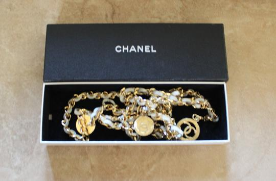 Chanel Gold-tone ivory leather Chanel chain-link CC logo belt