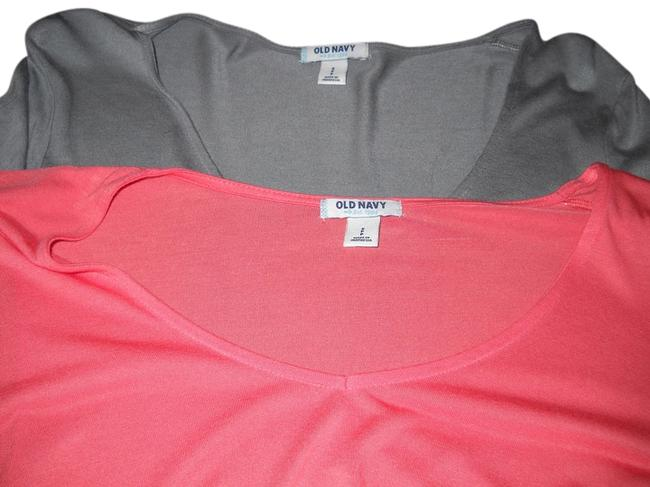 Preload https://item1.tradesy.com/images/old-navy-one-grey-one-salmon-tee-shirt-size-4-s-4019650-0-0.jpg?width=400&height=650