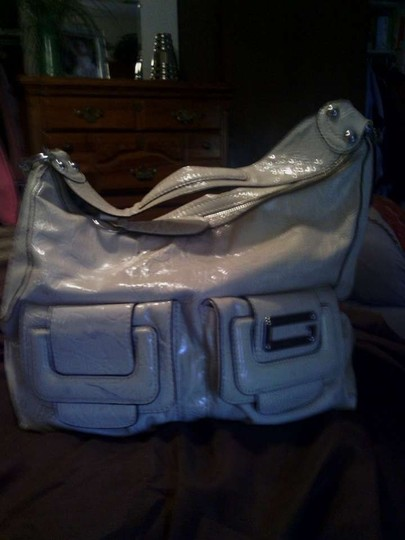 Guess / Butter Cream Color Vinyl Shoulder Bag