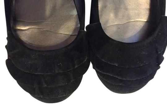 Preload https://item3.tradesy.com/images/me-too-black-flats-size-us-65-regular-m-b-402002-0-1.jpg?width=440&height=440