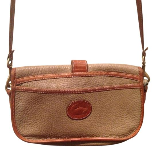 Preload https://img-static.tradesy.com/item/402036/dooney-and-bourke-and-all-weather-pebbled-leather-saddle-olive-tan-awl-shoulder-bag-0-2-540-540.jpg