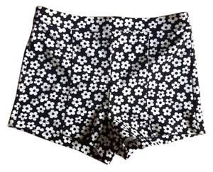 Forever 21 Shorts Black and White Floral