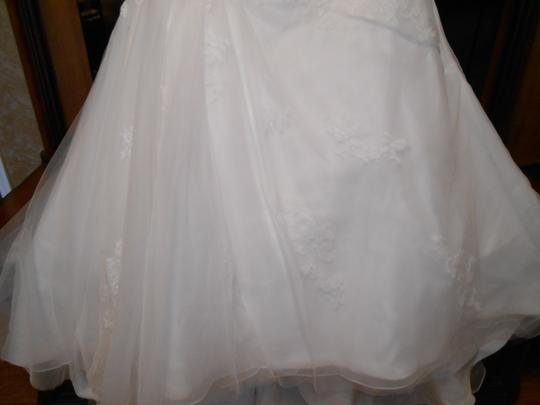 Ivory Tulle/Lace Bt 13-8 Modern Wedding Dress Size 22 (Plus 2x)