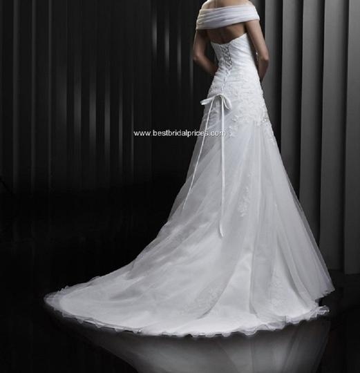 Preload https://item2.tradesy.com/images/ivory-tullelace-bt-13-8-modern-wedding-dress-size-22-plus-2x-402201-0-1.jpg?width=440&height=440
