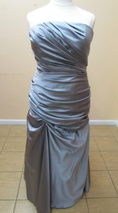 Impression Bridal Platinum Satin 1769 Modern Bridesmaid/Mob Dress Size 26 (Plus 3x)