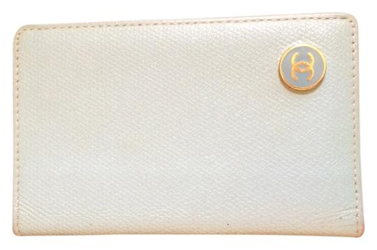 Preload https://item4.tradesy.com/images/chanel-chanel-coco-button-card-case-4023268-0-2.jpg?width=440&height=440