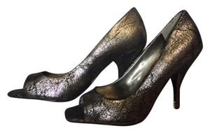 BCBGeneration silver Pumps
