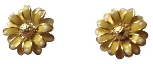 Other Yellow Daisy Like Earring