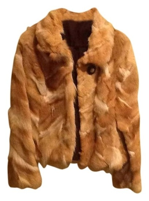Preload https://item5.tradesy.com/images/fur-coat-size-4-s-403074-0-0.jpg?width=400&height=650