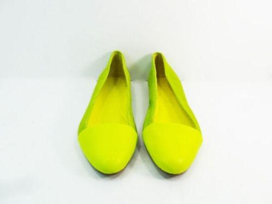 Kate Spade Saturday Half Circle Skimmers Leather Suede Size 7 yellow Flats