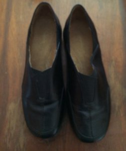 Easy Spirit Clack Leather Black Flats