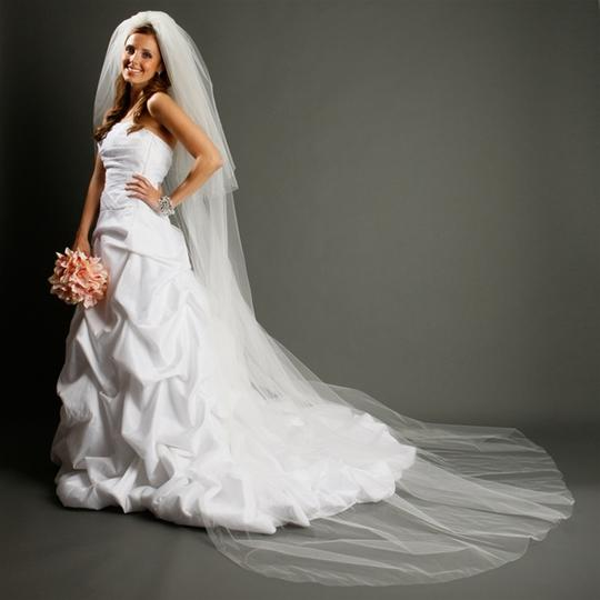Preload https://item5.tradesy.com/images/mariell-diamond-white-long-two-layer-dramatic-cathedral-length-cut-edge-933v-dw-bridal-veil-4036804-0-0.jpg?width=440&height=440