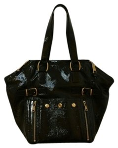 Saint Laurent Patent Leather Leather Leather Like A New Tote in Black