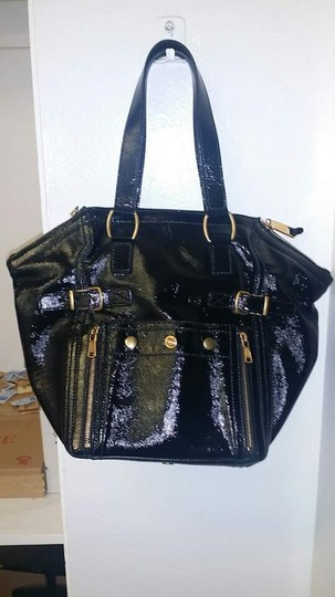 Saint Laurent Patent Leather Leather Like A New Tote in Black