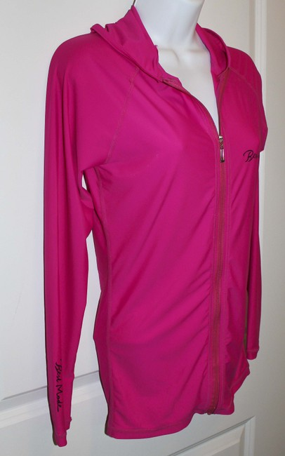 Acco LTD Form Fitting Breathable Moisture wicking zip up