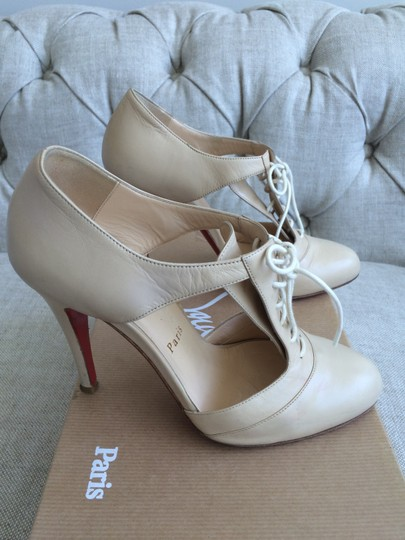 Christian Louboutin Designer Paris Red Soles Leather Beige Pumps