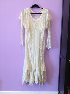 Ivory/Coffee Lace Gown Vintage Wedding Dress Size 8 (M)