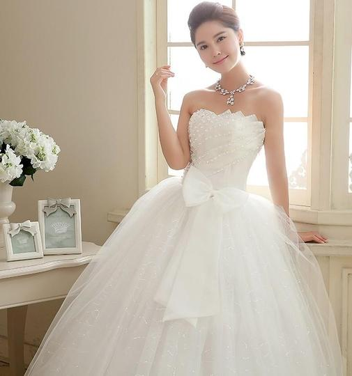 White Organza Style 1050 From Bridalbliss.co Modern Wedding Dress Size 4 (S)