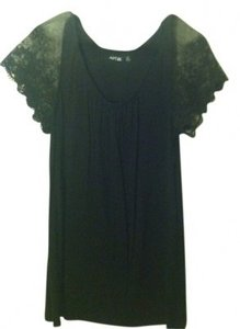 Apt. 9 Top Black