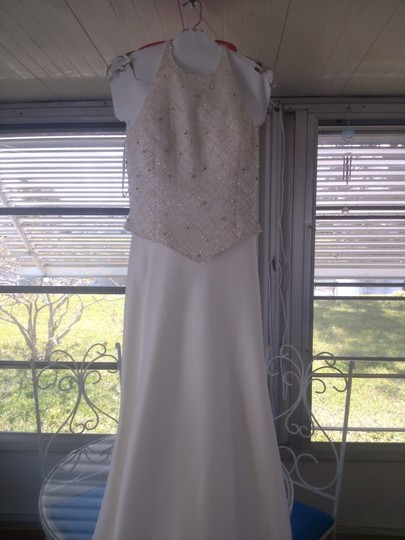 Maggie Sottero Ivory Polyester Formal Wedding Dress Size 4 (S)