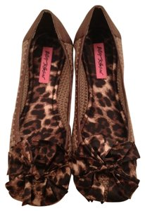 Betsey Johnson Bow Brown Flats