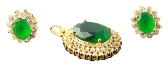 Preload https://item5.tradesy.com/images/green-golden-american-diamond-locket-set-404859-0-0.jpg?width=440&height=440