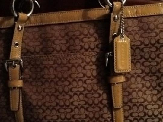 Coach Tote in Brown & Tan