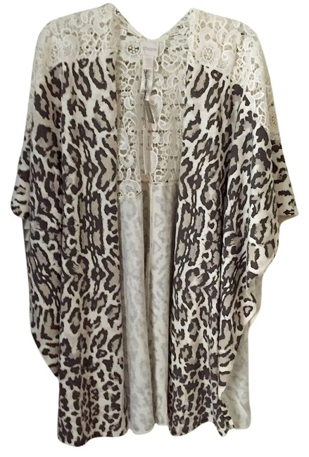 Preload https://item4.tradesy.com/images/chico-s-animal-print-ponchocape-size-os-one-size-4050658-0-0.jpg?width=400&height=650
