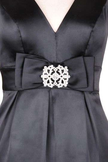 Black Satin V-cut W/ Removable Rhinestone Brooch Formal Bridesmaid/Mob Dress Size 4 (S)