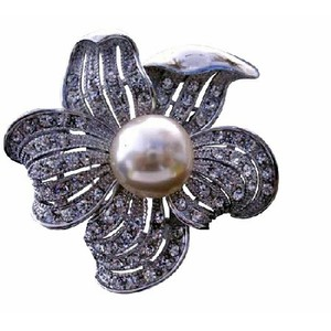 Silver Elegant Sunflower Pearls with Cubic Zircon Bud Brooch/Pin