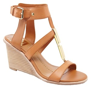 DV by Dolce Vita honey Wedges