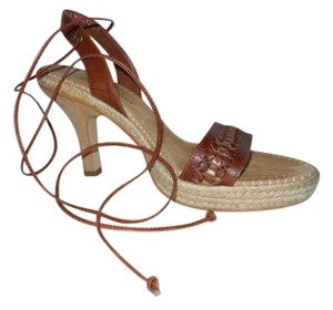 Gianni Bini Leather brown & tan Sandals