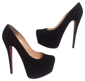 Christian Louboutin Daf Black Pumps