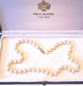 Majorica Lovely VINTAGE 1950s Majorica PEARL NECKLACE Strand 14 Karat Gold Clasp Hand Knotted 8mm Pearls Princess Length 17