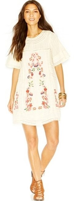 """Item - Cream/Floral """"Perfectly Victorian"""" Extra Small Mini Short Casual Dress Size 0 (XS)"""