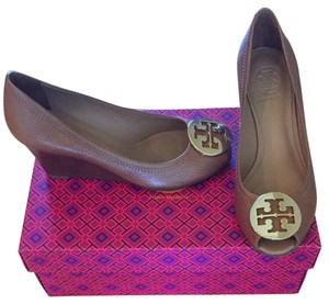 Tory Burch Royal Tan/Gold Wedges