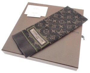 Louis Vuitton Louis Vuitton monogram scarf
