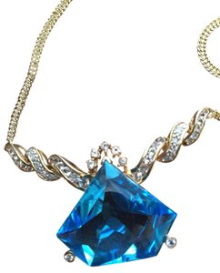 14k Big Diamond Shaped Blue Topaz Diamond Necklace