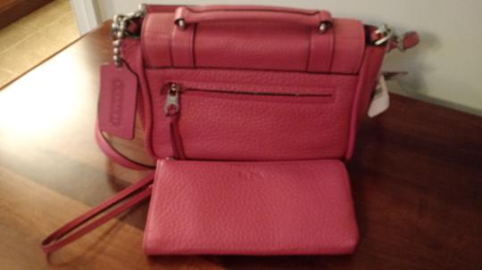Coach Hands-free Wear Pebbled Leather Loganberry Messenger Bag